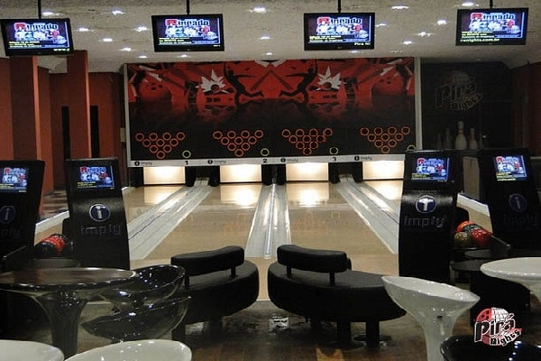 Bowling Cafe 1
