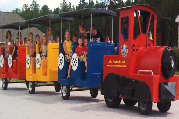 Super Trackless Train